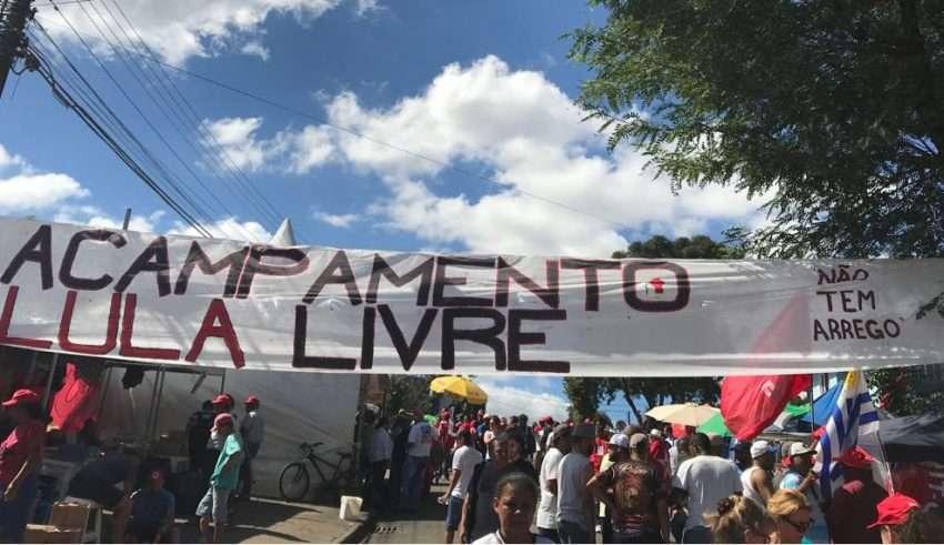 Em Pauta Conjuntura: Perseguição ao Acampamento Lula Livre em Curitiba