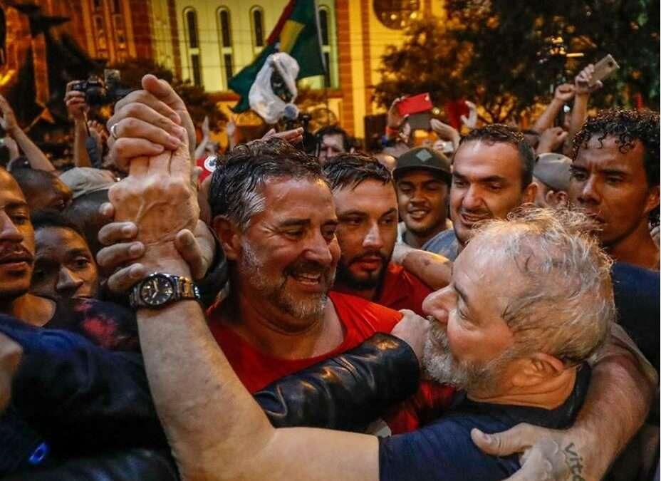 Em Pauta Conjuntura: Ataques fascistas à Caravana de Lula pelo Sul