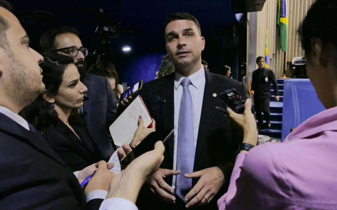 Em Pauta Conjuntura: Novas informações do COAF aumentam pressão sobre família Bolsonaro